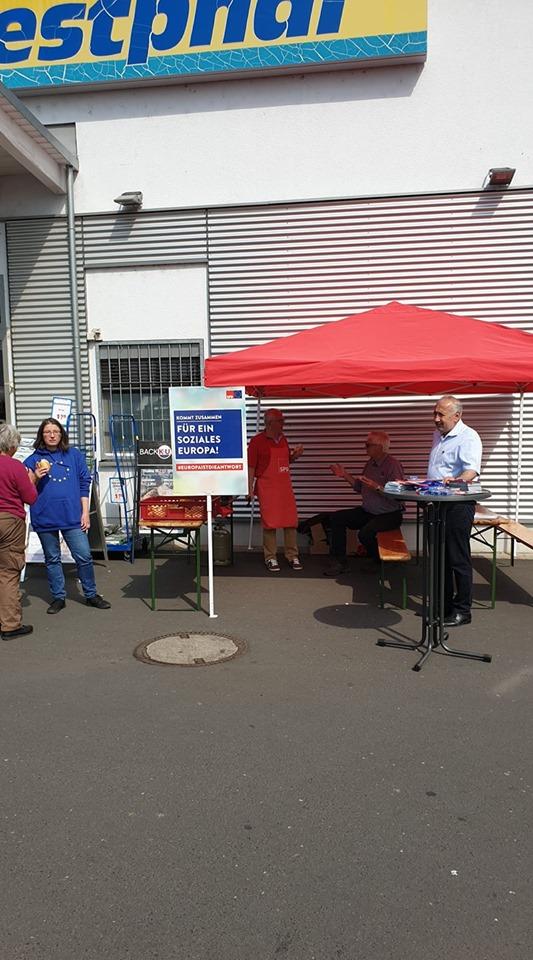 SPD-Info Stand Hainburg REWE